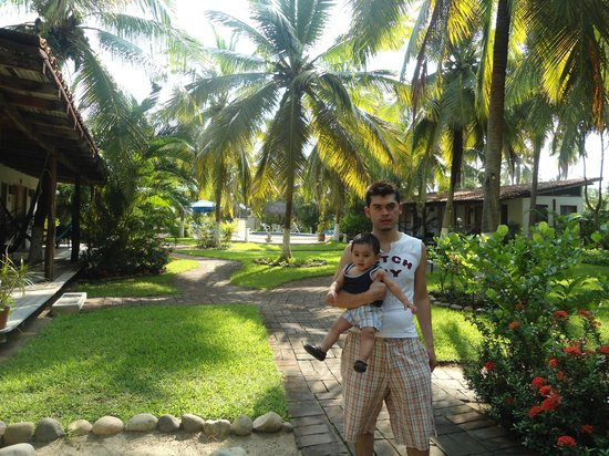 Villa Don Manuel : este es uno de los caminos que llevan a la alberca