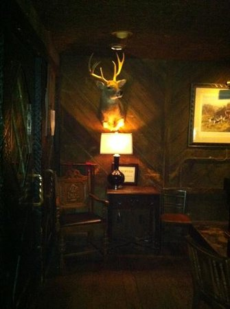 The Cheshire: inside tavern (fox n hound)