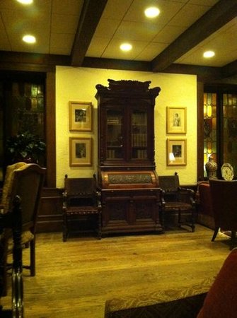 The Cheshire: lobby