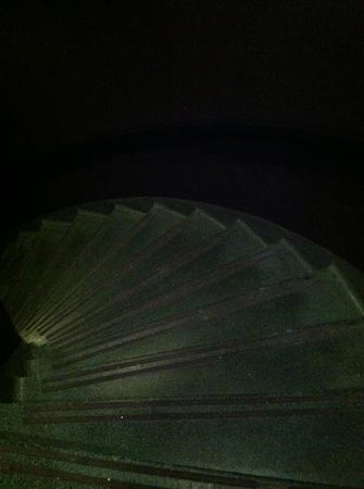 The Cheshire: stairwell to Basso