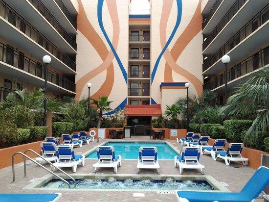 Monterey Bay Suites: 10th floor pool
