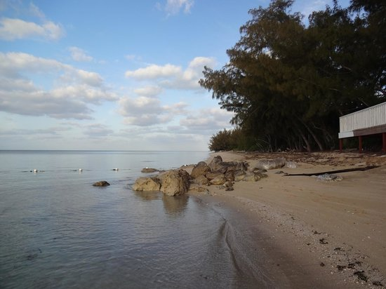 Coral Harbour Beach House and Villas: Secluded Beach