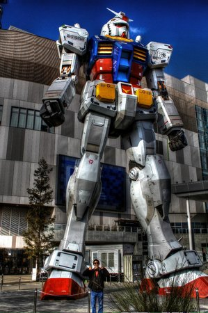 Odaiba: Amazing Gundam Wing Replica at Gundam Front.