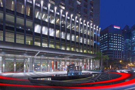 Aloft Kuala Lumpur Sentral: facade