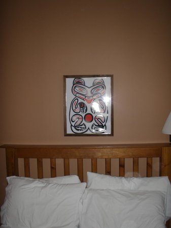 Heffley Boutique Inn: I enjoyed the Native American artwork!