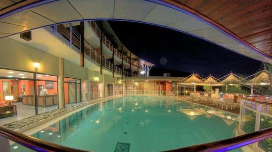 Piscine picture of hotel bellepierre saint denis tripadvisor - Piscine pierre de coubertin saint denis ...