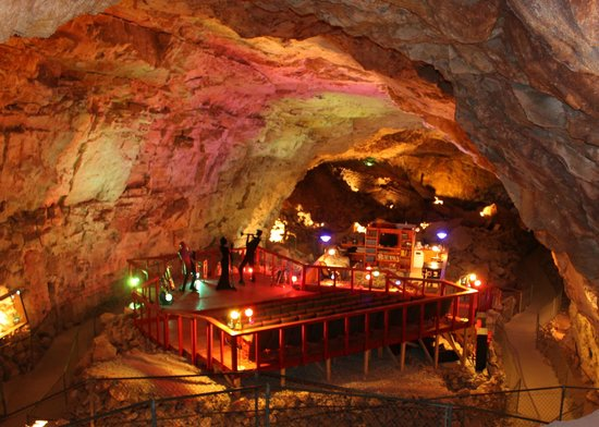 Grand Canyon Caverns: Underground hotel room