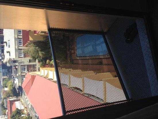 The Old Woolstore Apartment Hotel: Studio Apartment, Level 8 (tiny) Verandah