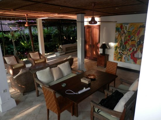Ubud Villas and Spa: Jasmine Suite lounge/sitting/dining