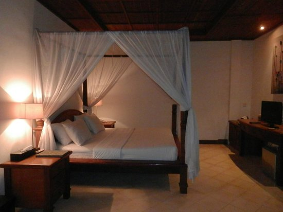 d'Omah Hotel Bali : Jasmine Suite upstairs bedroom