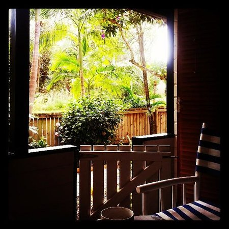 Cavvanbah Beach House : Great reading spot