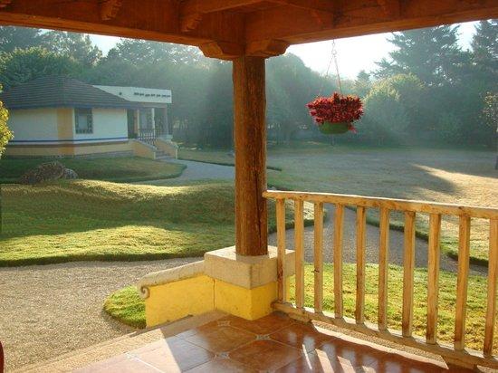 Hotel Bosques del Sol suites: PORCHE DE MEDITACIÓN