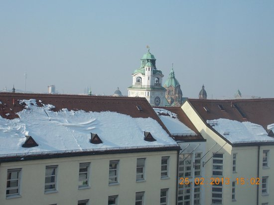 Holiday Inn Munich - City Centre: View from my room