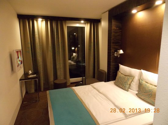 Motel One Munchen-Deutsches Museum: My room