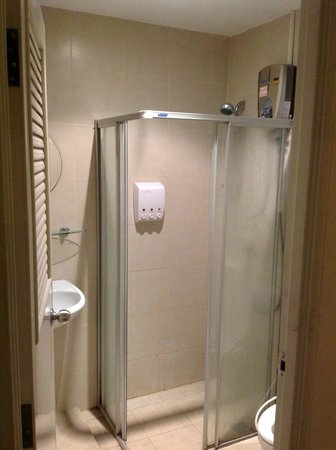 The Mix Bangkok : Shower