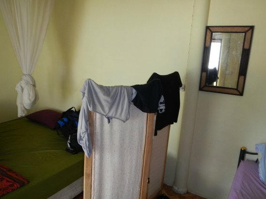 Joon Bungalow & Heartbreak Restaurant: Room itself... not much but for sleeping enough