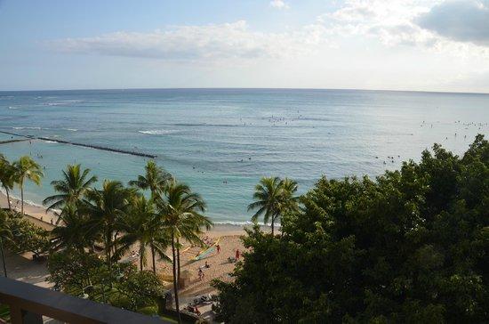 Aston Waikiki Beachside Hotel: view from the balcony