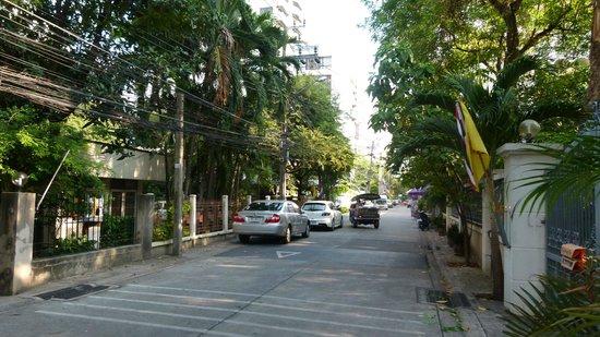 Citadines Sukhumvit 8 Bangkok: Citadines Sukhumvit 8 pleasant walk