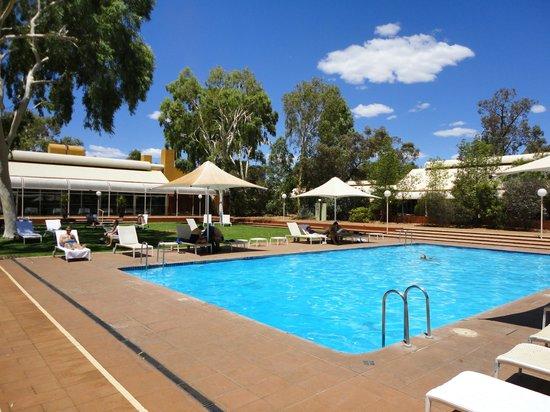 Desert Gardens Hotel, Ayers Rock Resort: Piscina del Desert Garden