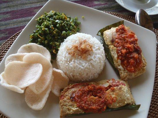 Saren Indah Restaurant: Pepes Ikan