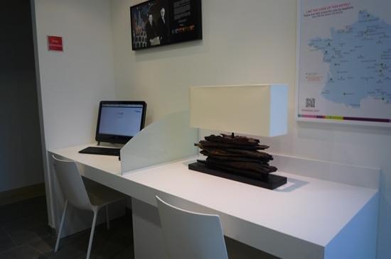 Ibis Styles Quiberon Centre : espace informatique