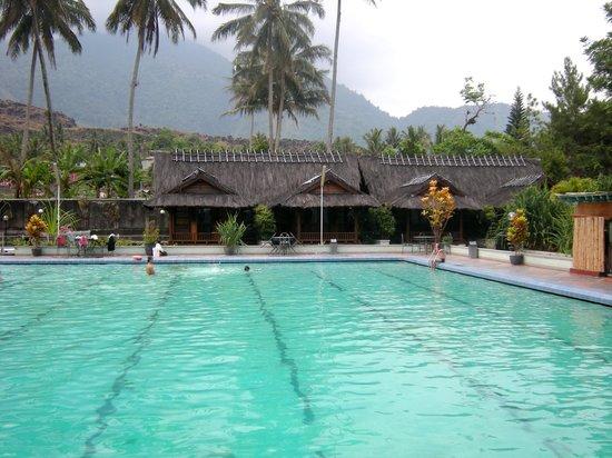 Kampung Sumber Alam: the swimming pool