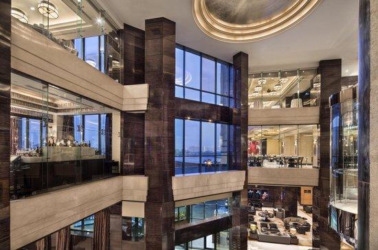 Fairmont Cairo, Nile City : Hotel Lobby