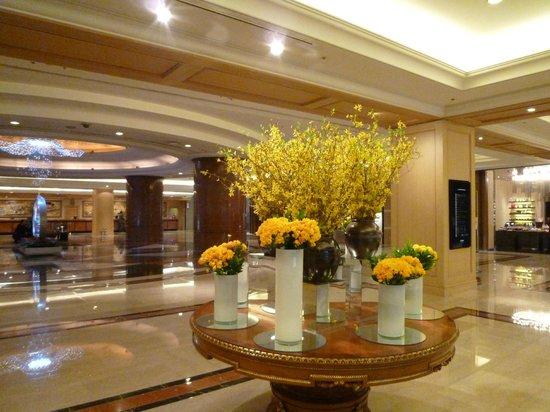 Lotte Hotel Busan: Grand lobby