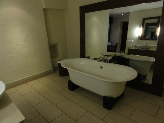 The Samling Hotel: Bathroom Dove Nest