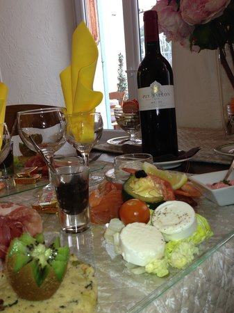 Hotel Le Pre Catelan : degustation fromages charcuterie