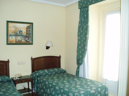 Hotel Norte y Londres: Habitacion 307
