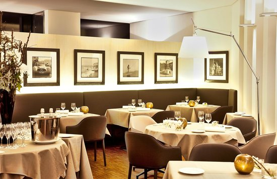 Photo of French Restaurant Les Deux at Maffeistr. 3 A, Munich 80333, Germany