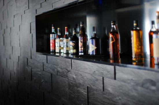 Lindemann's: Bar