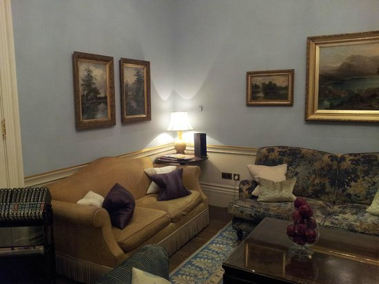 The Royal Park Hotel: Drawing room next to front desk