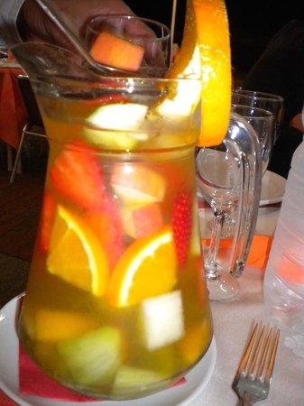 Intercontinental Restaurant: sangria champagne !