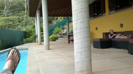 Pagua Bay House Oceanfront Cabanas: private outdoor space and pool