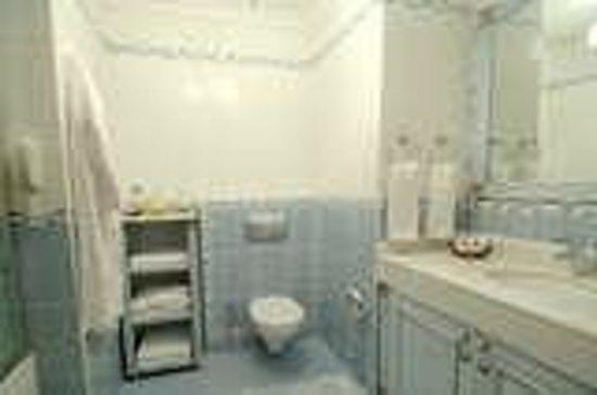 Grand Yavuz Hotel: suit room bath