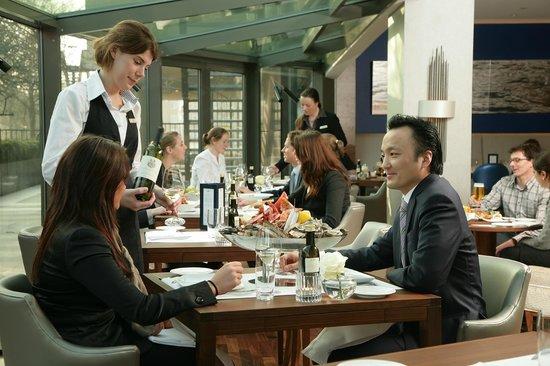 Hotel Okura Amsterdam : Serre Restaurant - Inspired by Ciel Bleu