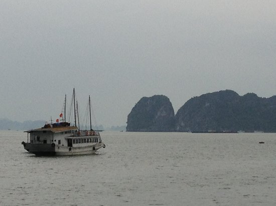 Hanoi Charming 2 Hotel: Halong Bay