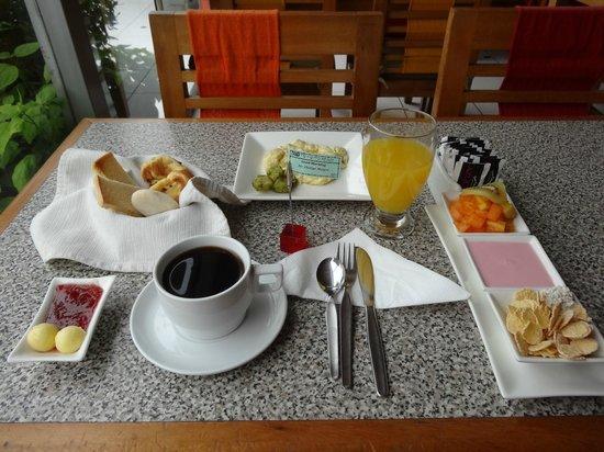 Hotel Runcu Miraflores: Nice breakfast also