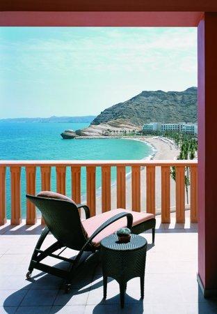Shangri-La Al Husn Resort & Spa : Al Husn Hotel Suite Balcony View