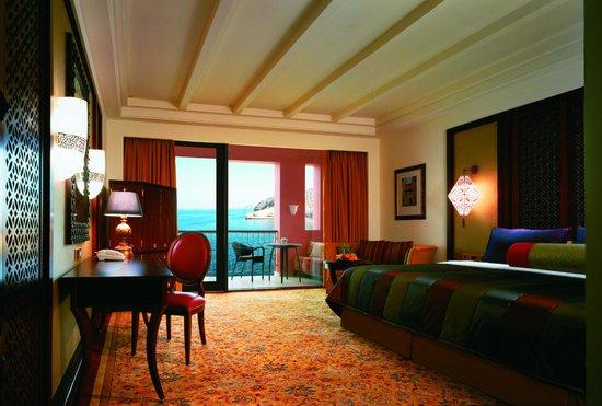 Shangri-La Al Husn Resort & Spa: Al Husn Deluxe Room