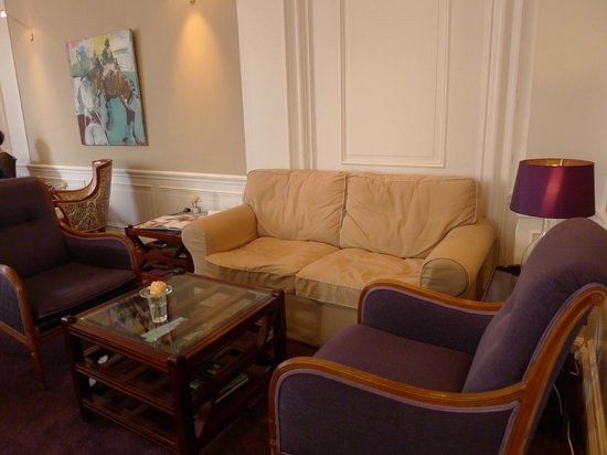 Central Park, by Ron Blaauw: Living room area