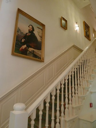 Central Park, by Ron Blaauw: Stairs to 1st floor rooms