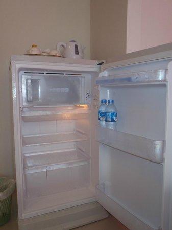 Aonang Miti Resort: Big Refrigerator with kettle