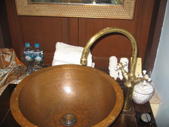 Praya Palazzo: complimentary water