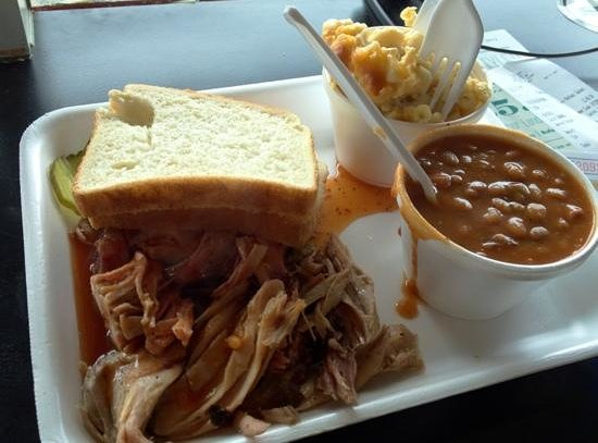 Saw's BBQ: Moist and tender pork plate with flavorful sides