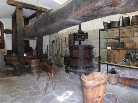 Brunnenburg Agricultural Museum: Il vecchio torchio