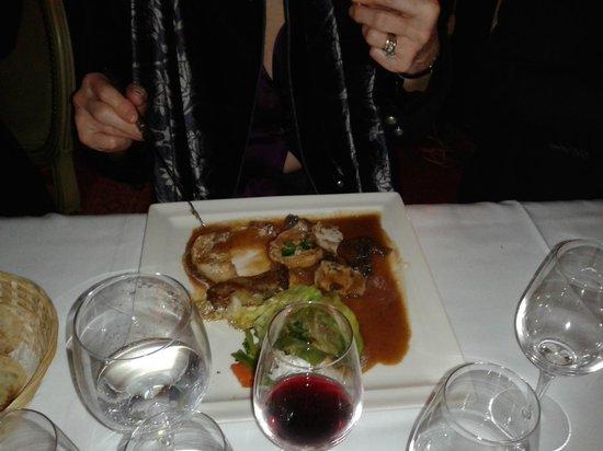 Auberge du cronquelet : The chicken 'thigh' course