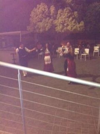 SENTIDO Elounda Blu: evening entertainment - traditional dancers 2